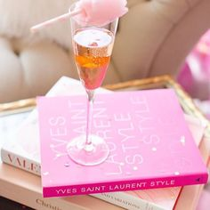 {PINK CHEERS!} Weekends are PRETTY SWEET ~ have a happy weekend everyone, XO!regram @thecarolinedoll #FriYay #SipSip #PinkBubbly #PinkCottonCandy #ChicDecor #PinkflashofDelight #ihavethisthingwithpink