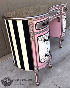 48 Awesome Upcycling Furniture Ideas Must See. Mehr unter Cool 48 Awesome Upcycling Furniture Ideas Must See., Cool 48 Awesome Upcycling Furniture Ideas Must See. Funky Furniture, Refurbished Furniture, Paint Furniture, Repurposed Furniture, Shabby Chic Furniture, Furniture Makeover, Furniture Decor, Furniture Projects, Bedroom Furniture