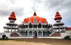 Een van de grootste hindoetempels van Suriname is de Arya Dewaker Tempel in Paramaribo. De Tempel die in 2001 de deuren opende is gevestigd aan de Johan Adolf Pengelstraat