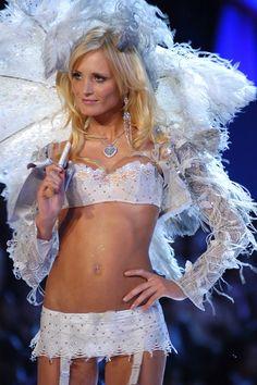 422f942e7a Sexy Crystal Princesses -- Model   -- Victoria s Secret Fashion Show 2005