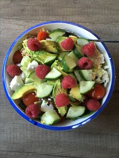 Heerlijke salade met makreel, geitenkaas en framboos