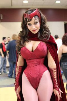 Another awesome Scarlet Witch cosplay