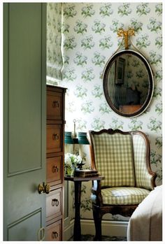 Bowood wallpaper by Colefax & Fowler