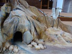 Catholic Lent, Kids Church Lessons, Easter Play, Empty Tomb, Church Stage Design, Easter 2018, Easter Religious, Trunk Or Treat, Religious Education