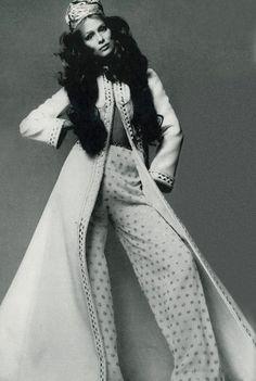 Lauren Hutton by Richard Avdeon, 1970.