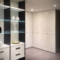 Prachtige vouwdeurkast voor in de slaapkamer. Ook zo'n kast? Kijk op www.comfortinstijl.nl voor meer informatie