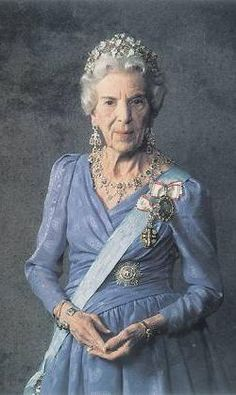 H.M. QUEEN INGRID QUEEN OF DENMARK, The Wends and Goths, Duchess of Schleswig, Holstein, Stormarn, Ditmarsken and Lauenburg, COUNTESS of Oldenburg and Delmenhorst, PRINCESS OF SWEDEN Born on 28 March 1910 Death of 7 November 2000  H.M. Queen Ingrid of Denmark, was born at Stockholm Castle, the daughter of HM King Gustaf VI Adolf of Sweden (1882-1973) and HRH Crown Princess Margaret of Sweden (1882-1920), born Princess of Connaught and Strathearn.