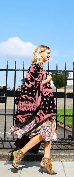 Cashmere-wool poncho, bold booties, and floral dress–Elena Perminova wears Burberry head-to-toe
