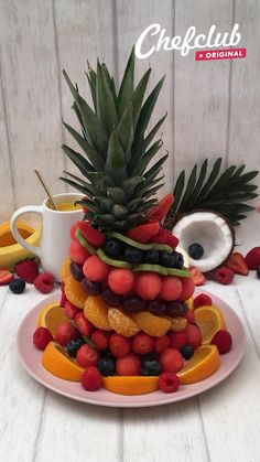 Fruit Platter Designs, Fruit Designs, Watermelon Designs, Fruit Buffet, Fruit Tables, Food Buffet, Buffet Ideas, Party Food Platters, Fruit Platters