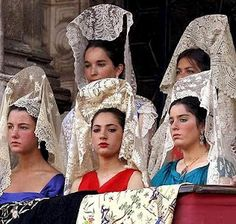 Mantilla española (The Duchess of Alba is sitting on the lower level to far right) Spanish Woman, Spanish Style, Spanish Class, Folk Costume, Costumes, Flamenco Dancers, Traditional Outfits, Traditional Fashion, Headdress