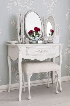 The classic style dressing table, given the shabby chic finish to complete your space #DressWedgwood