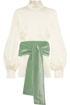 Hillier Bartley's turtleneck top is cut from languid silk-satin in a soft ivory hue. Reminiscent of vintage pieces, it has billowy sleeves created by sleek buttoned cuffs and comes with an oversized mint velvet sash that wraps twice around your waist. Echo the label's styling with wide-leg pants.