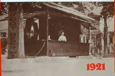このスタンドでのルートビアの評判は良く、 アレンはすぐに2号店を開設しその後わずか 3年間でロードサイドのドライブインレスト ランをサクラメント近郊において5店開設し ました。 pic.twitter.com/5Vcd51XdCD