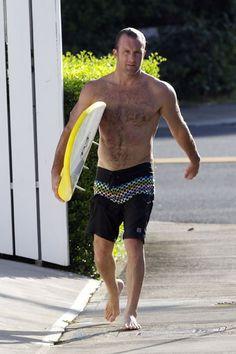 shirtless Scott Caan and his smile too. Hairy Hunks, Hot Hunks, Hairy Men, Sean Penn, Sean O'pry, Scott Caan, Mode Masculine, Male Models Tattoo, Alex Scott