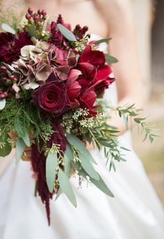 Winter bouquet perfection: http://www.stylemepretty.com/california-weddings/2015/05/11/traditionally-elegant-villa-del-sol-doro-wedding/ | Photography: Ryon Lockhart - http://www.ryonlockhart.com/