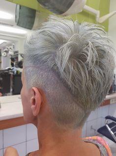 short hairstyles with bangs Blonde Grey Hair Undercut, Undercut Hairstyles, Pixie Hairstyles, Hairstyles With Bangs, Short Undercut, Edgy Short Hair, Short Hair With Bangs, Short Hair Cuts, Short Hair Styles
