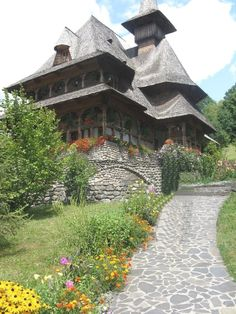 Barsana wooden churches (Maramures) Bulgaria, Romanian People, Landscapes, Scenery, House Design, Cabin, House Styles, Beautiful, Bucharest