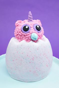 A cotton candy cake recipe decorated to look like Hatchimals! Makes one tall Hatchimals cake. Cake Cookies, Cupcake Cakes, Cotton Candy Cakes, Birthday Cake Girls, 5th Birthday, Birthday Ideas, Cotton Candy Flavoring, Little Mermaid Cakes, Smooth Cake