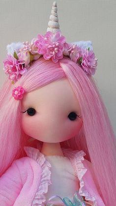 Child Doll, Baby Dolls, Doll Toys, Homemade Dolls, Pink Doll, Doll Painting, Anime Dolls, Felt Patterns, Doll Crafts