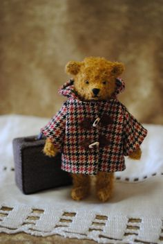 Hey, I found this really awesome Etsy listing at https://www.etsy.com/listing/191063090/algernon-miniature-teddy-bear-artist-by