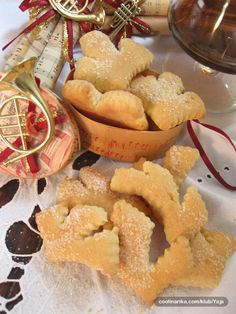 Hvarski cviti (Hvar flowers) - traditional Hvar cookies - like in case of other traditional cookies the basic recipe is the same for all of them, but every familly has its own variation - origin of ingredients - ratios - secret ingredients - specific flavoring - which are not revealed