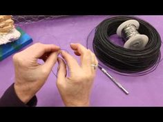 This video introduces students to a few basic skills for working with wire. For more fun art lesson ideas visit my blog: karisfunartlessons.blogspot.com.