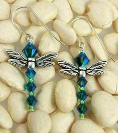 In Japan, dragonflies are symbols of courage, strength and happiness. Our delightful dragonfly earring kit is created using Swarovski crystal...