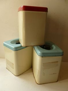 Vintage kitchen storage cannisters on pinterest canister for Retro kitchen set of 6 spice tins