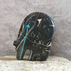 zuni fetish,native american,bear,native american art,zuni fetishes,Zuni Fetish, MEDICINE BEAR,stone carving,Purisma Stone,Animal Totem by AndTheCrow on Etsy