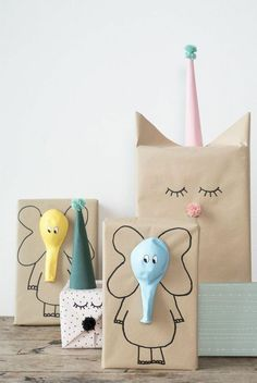 Here are the best DIY gift wrapping ideas for you to wrap the gifts for you friends and relatives on their birthday parties , wedding and for many celebrations! diy gifts Lovely And Unique DIY Gift Wrapping Ideas For 2018 Craft Ideas To Sell Handmade, Diy Gifts For Kids, Diy For Kids, Sell Diy, Gifts For Children, Diy Gifts For Friends, Handmade Crafts, Creative Gift Wrapping, Creative Gifts
