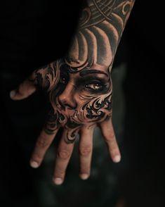 """6,262 """"Μου αρέσει!"""", 21 σχόλια - SullenTV (@sullentv) στο Instagram: """"Beautiful custom hand tattoo by @jamesstrickland #handblast #handtattoo #eyetattoos #SullenTV…"""""""