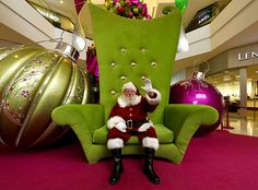 Glendale Galleria Santa Holiday Display