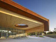 Sir Sandford Fleming College - Kawartha Trades and Technology Centre / Perkins + Will