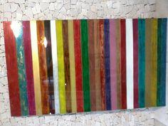 Faixas coloridas em vidro