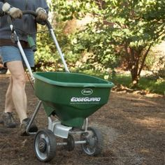 Check off these chores and get your lawn and gardens ready for winter! Garden Leave, Lawn And Garden, Garden Tools, Autumn Flowering Plants, Fall Plants, Autumn Garden, Country Life, Planting Flowers, Gardens