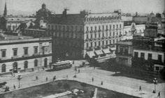 Desde el Teatro Nacional, Madero, Letrán y Juárez, ca 1940