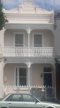 Vic Victorian Terrace House, Victorian Homes, Exterior Design, Interior And Exterior, Iron Decor, Melbourne, Victorian Architecture, Coworking Space, Terraces