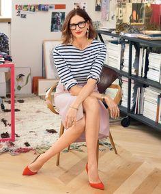 Looks inspiradores ~ Jenna Lyons - moda e estilo j crew Jenna Lyons, Elements Of Style, Pullover, Work Attire, Mode Outfits, Creative Director, American, Editorial Fashion, Ideias Fashion