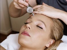 Oxygen Facials Are Unlike Traditional Cleansing and Exfoliating Facials
