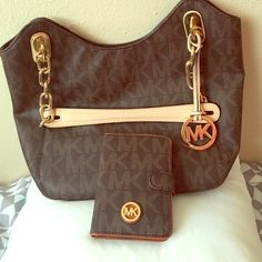 michael Kors WAllet and Tote great Set Tote And Wallet   new Without Tags Michael Kors Bags Totes