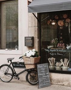 67 vintage bakery shop store fronts window displays - Home Decor Vintage Bakery, Vintage Cafe, Etsy Vintage, Vintage Shops, French Bakery Decor, Bakery Design, Cafe Design, Cafe Bar, Store Front Windows