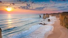 Opplev the Great Ocean Road under dine studier i Australia The Places Youll Go, Great Places, Places To See, Worlds Of Fun, Around The Worlds, Victoria Australia, Beautiful Places To Visit, Island Life