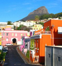 It is in Boer Kaap in Cape Town. Cape Town is the City in South Africa. South Africa is a country in the World. Most Beautiful Cities, Beautiful Buildings, Places To Travel, Places To See, Colourful Buildings, Colorful Houses, Le Cap, Cape Town South Africa, Out Of Africa