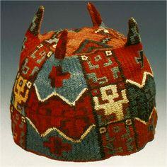 Wari four cornered hat. Textile Prints, Textile Art, Colombian Art, Peruvian Art, Peruvian Textiles, Hat Patterns To Sew, Body Adornment, Ethnic Patterns, Inca