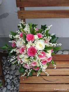 Brudbukett med rosorna Dolce Vita, David Austin, kvistrosor och liljekonvalj