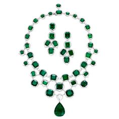 I love emeralds! Good thing they are my birthstone! :)