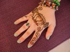 Arabic Style Henna for Hands