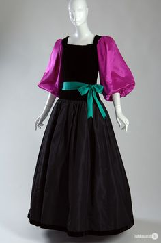 608408d2172 Yves Saint Laurent, 1976 70s Fashion, Timeless Fashion, Fashion History,  Couture Fashion