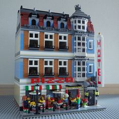Pizza shop & Town Hotel