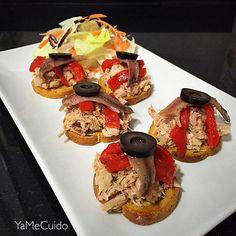 Receta de Cena️ Bocaditos de atún natural, pimiento rojo asado, anchoas y oliva. Riquísimos y súper fáciles de preparar!!